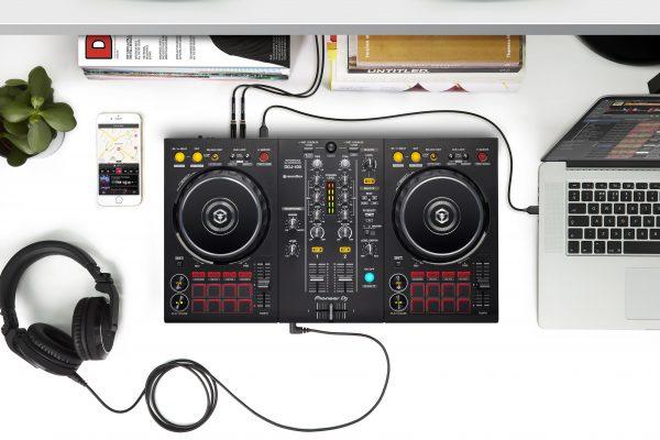 Celebra el Día de la Música con DDJ-400, el controlador de 2 canales de Pioneer DJ